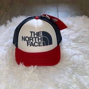 The north face SnapBack hat youth small new